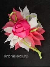 Зажим Роза на молочно-коралловом